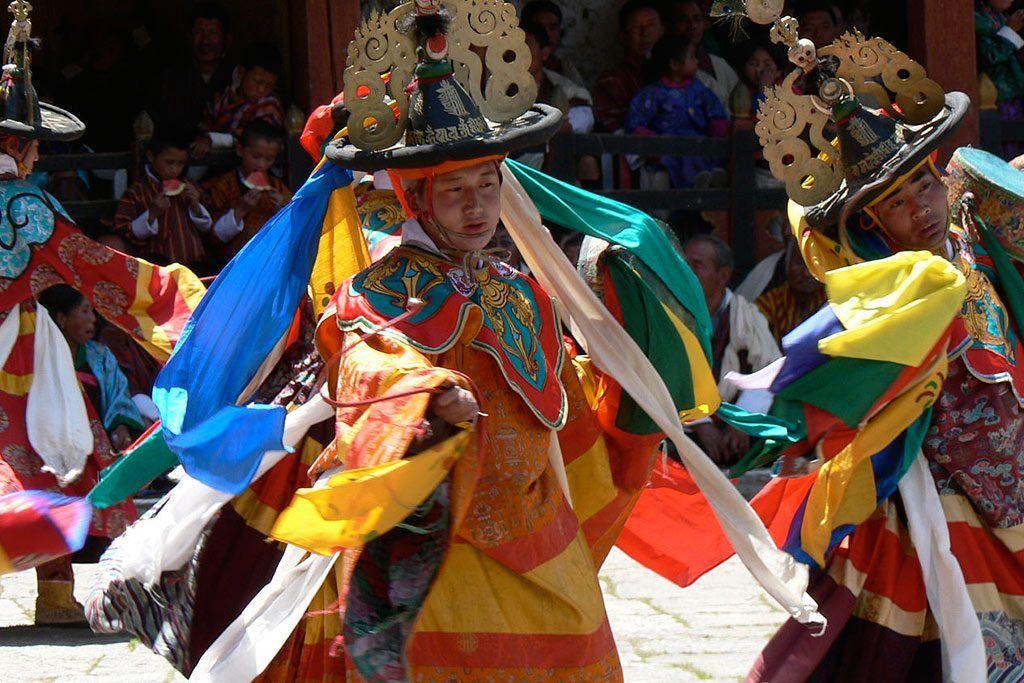 Paro festival Bhutan Turismo responsabile e sostenibile